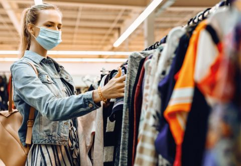 Shopping in the fashion industry: stores still preferred over digital